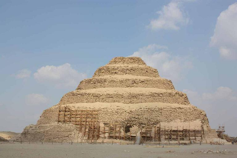 هرم سقارة المدرج, مصر